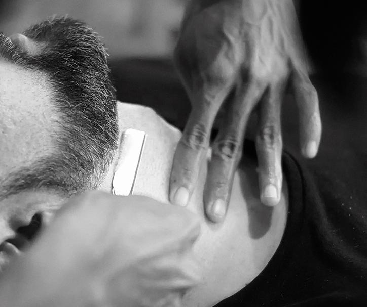 throne friseur Prenzlauer Berg Berlin haare schneiden Barbershop Rasieren Bartschnitt Herren Waschen Schneiden Föhnen Stylen 03