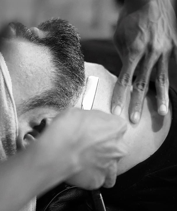 throne friseur Prenzlauer Berg Berlin haare schneiden Barbershop Rasieren Bartschnitt Herren Waschen Schneiden Föhnen Stylen 04