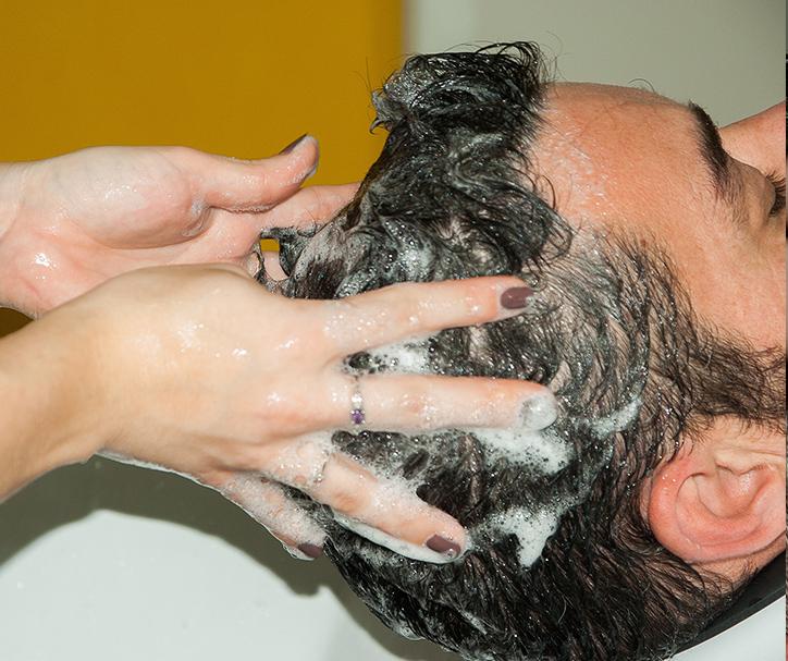 throne friseur Prenzlauer Berg Berlin haare schneiden Barbershop Rasieren Bartschnitt Herren Waschen Schneiden Föhnen Stylen 44